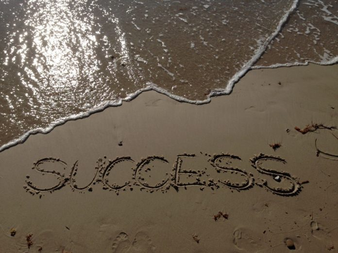 HOW TO BECOME SUCCESSFUL?